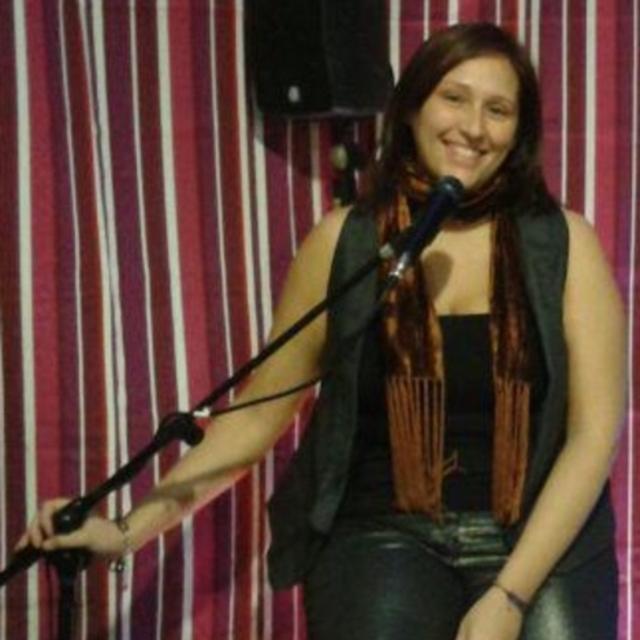 sara spanish singer