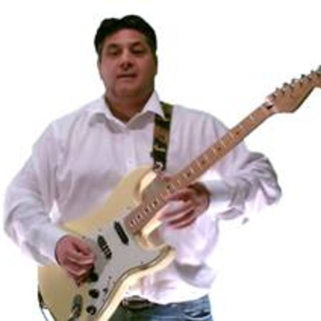 Paul Gronow Lead Guitarist