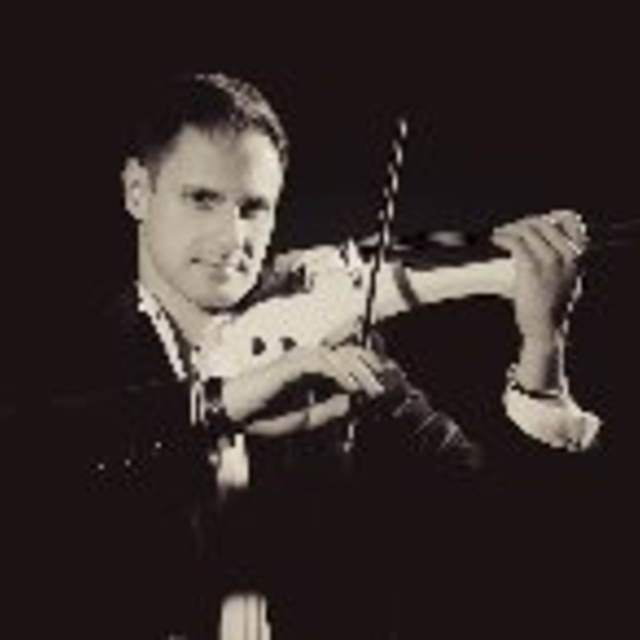 Darius Electric Violinist UK