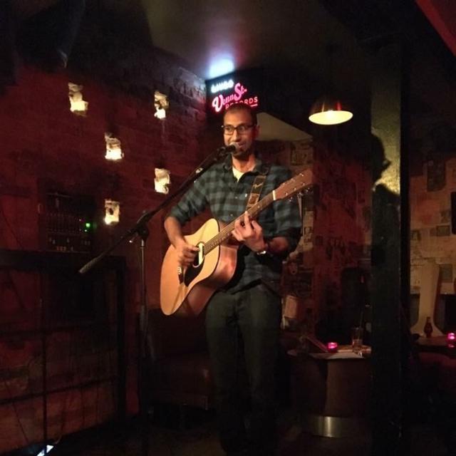 Sonny_singer_guitarist