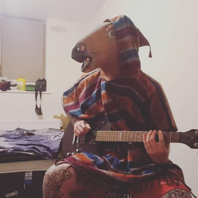 Guitarist-Sam