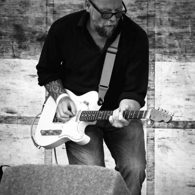 Glyn guitar