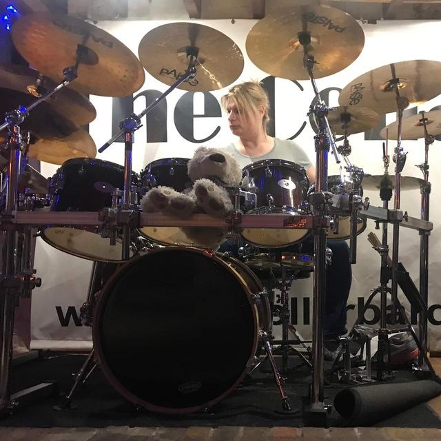 Bella_Drummer